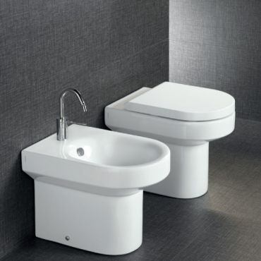Hatria Area Back To Wall Bidet Bidet Bathroom Traditional