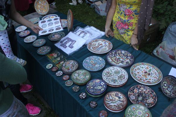 Kırım el sanatları satış standı.