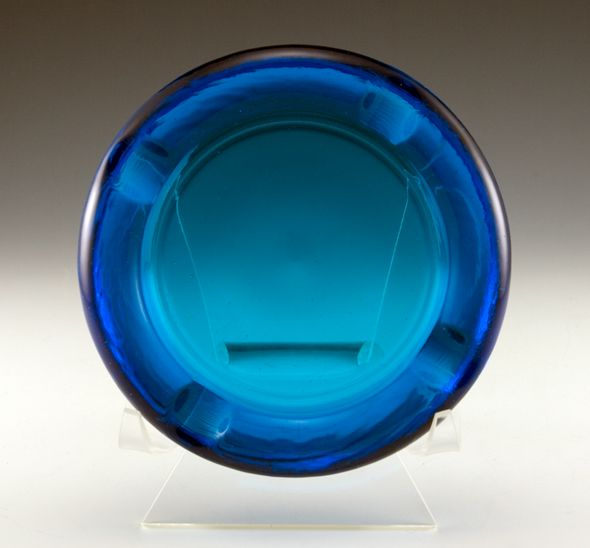 Cigar ashtray in royal blue depression glass rich thick blue glass vintage ashtray convenient medium size with four large flat cradle rests