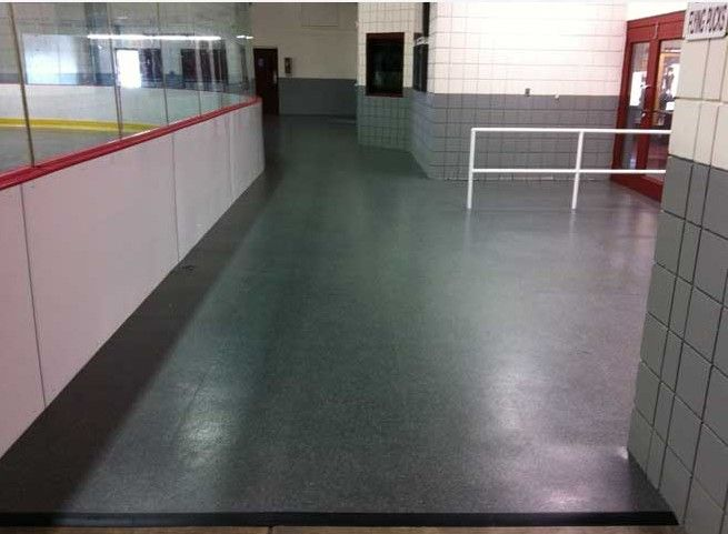 You will find everything to your satisfaction at Rink ...
