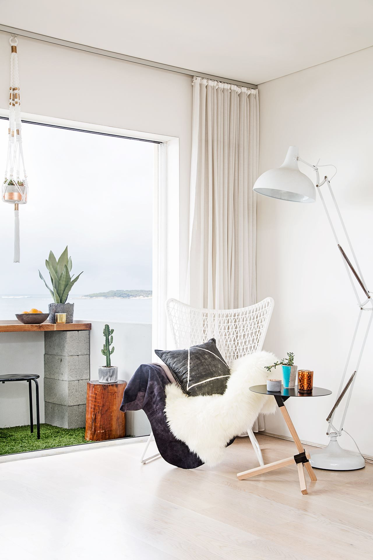 Apartment Balcony With Ocean View Synthetic Grass Floor
