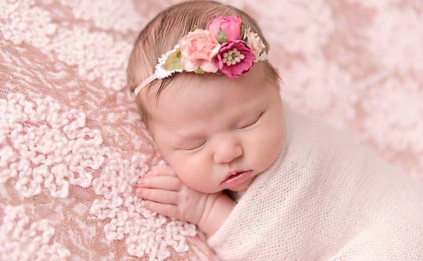 أسامي بنات بحرف العين جميلة وحديثة موقع مصري In 2021 Newborn Photography Girl Newborn Photography Poses Newborn Photography Props
