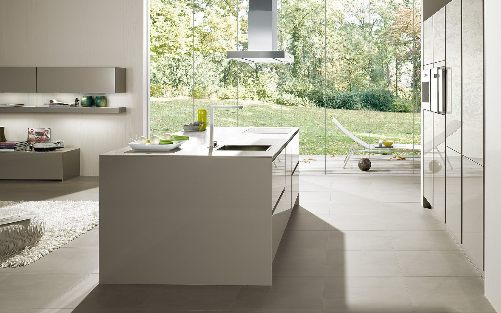 Modern kitchen without handles: s2 siematic.com zijkant keuken