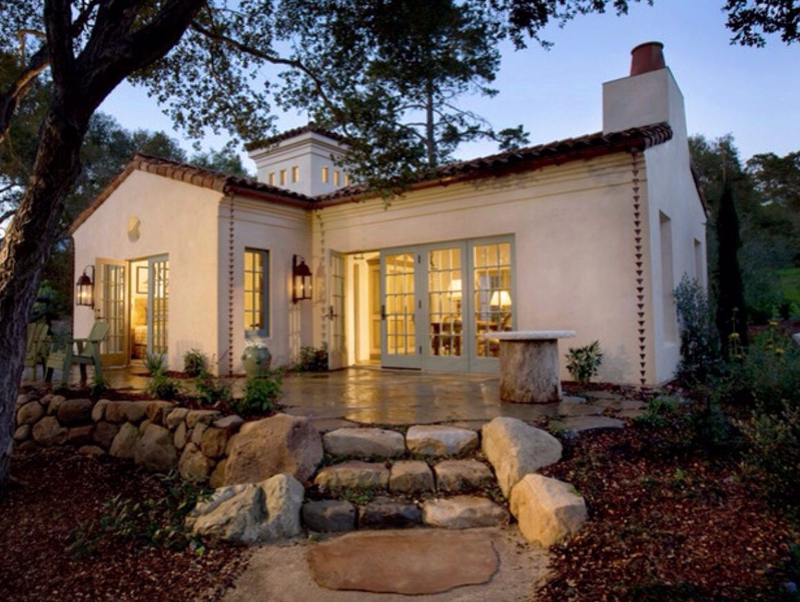 Spanish colonial cottage spanish colonial revival for Bungalow mediterranean style