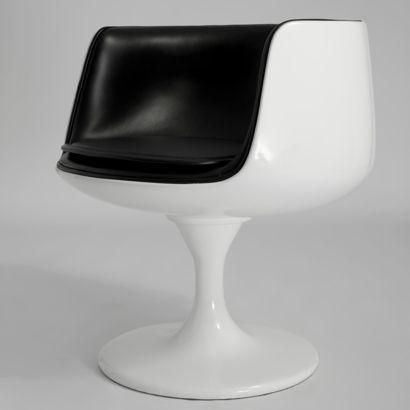 Eero Aarniou0027s Cognac Chair