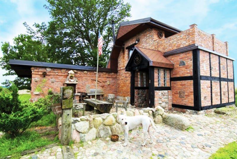 Brick house with rustic elements polanddesignrulz24 may