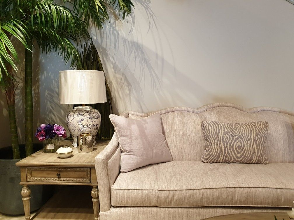 Classic Lamp Side Table Accessories Interior Design Classic Floral Table Accessories American Furniture Sold Living Room Collections Furniture Decor
