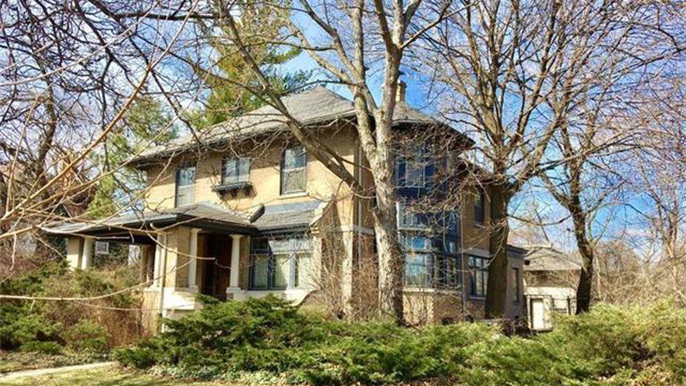 This Boston Edison Home Includes Detroit Tigers History Detroit Old Houses Detroit Tigers
