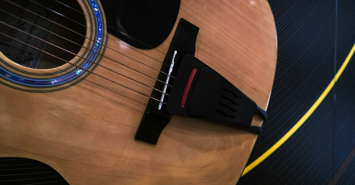 Pulse Adds Effects To Your Acoustic Guitar Without Amps Wires Or Electricity Digital Trends Acoustic Guitar Acoustic Guitar Effects
