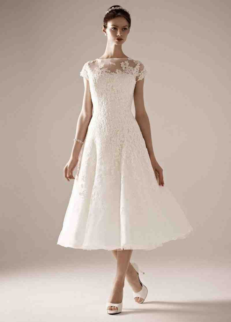Casual Winter Wedding Dresses: Informal Short Wedding Dresses Winter Wedding At Reisefeber.org