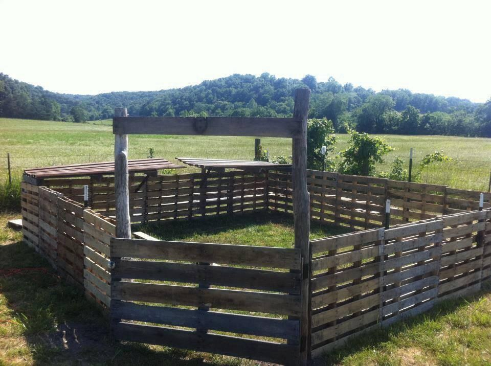 Fencing idea using pallets. Love this!