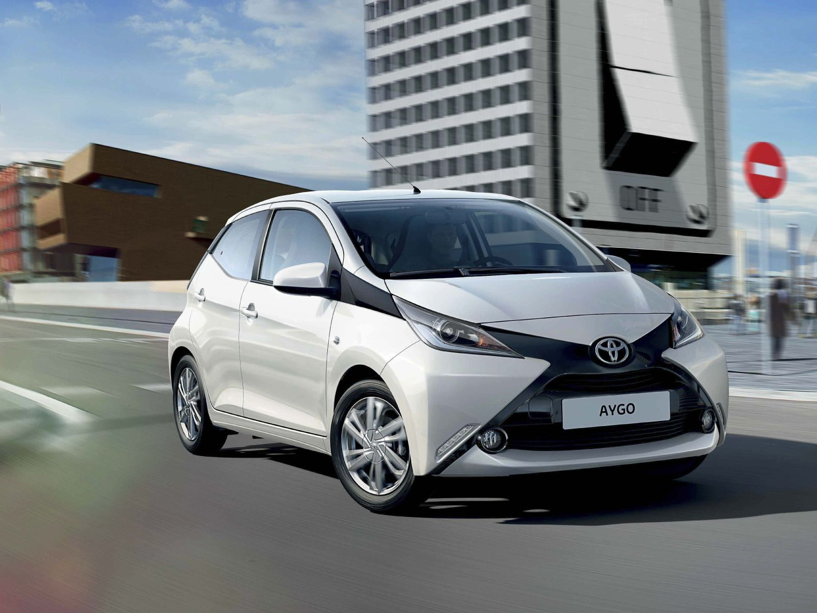 Toyota Aygo Fun City Car Toyota Aygo Best Small Cars Small Cars