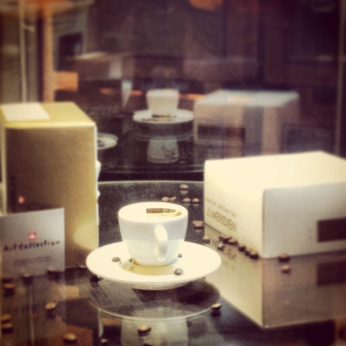 Illy Coffee Special Edition Collectible Gifts Found Only At Le Meridein Amman Illy Coffee Mouth Watering Food Illy