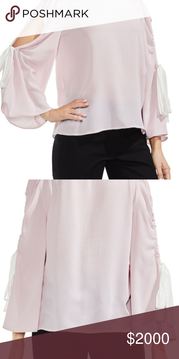 b646ff7c284bb2 VINCE CAMUTO Bell Sleeve Cold Shoulder Top XXS Gorgeously graceful