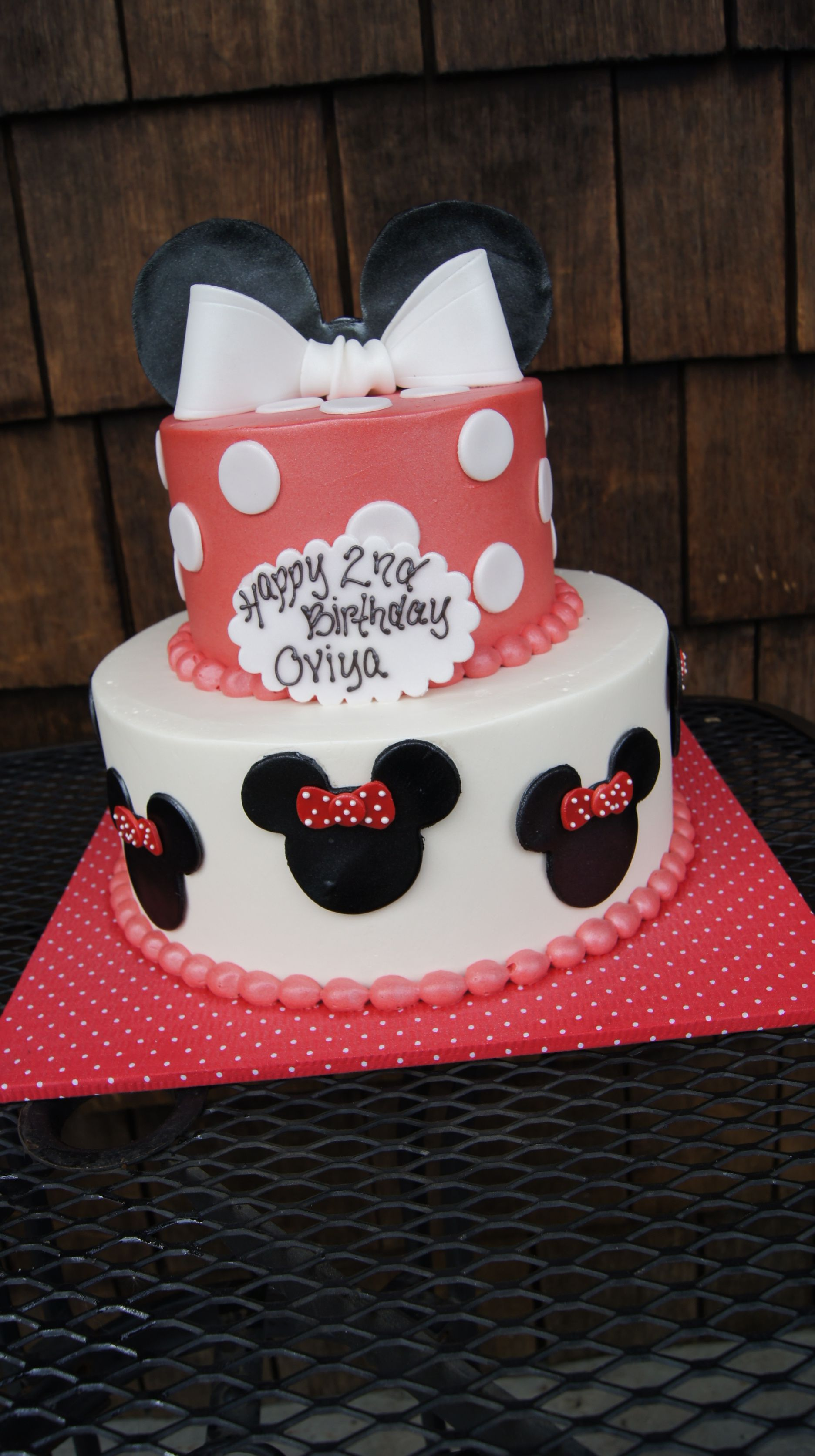 Tiered Red And White Minni Mouse Birthday Cake Childrens Cakes