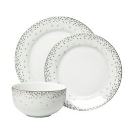 Tiny Silver Snowflake Dish Set Inexpensive And Perfect For All The Winter Holidays Target Contemporary Dinnerware Winter Dinnerware Christmas Dinnerware
