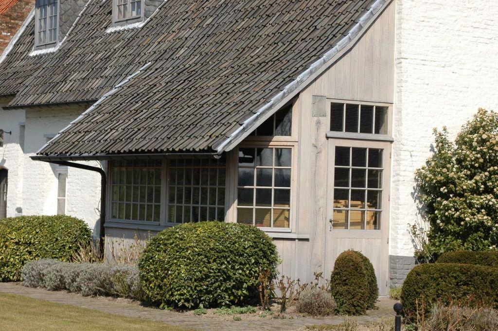 Hout ramen ramen deuren luiken en poorten ramen lanssens huizen pinterest ramen - Huis buitenkant ...