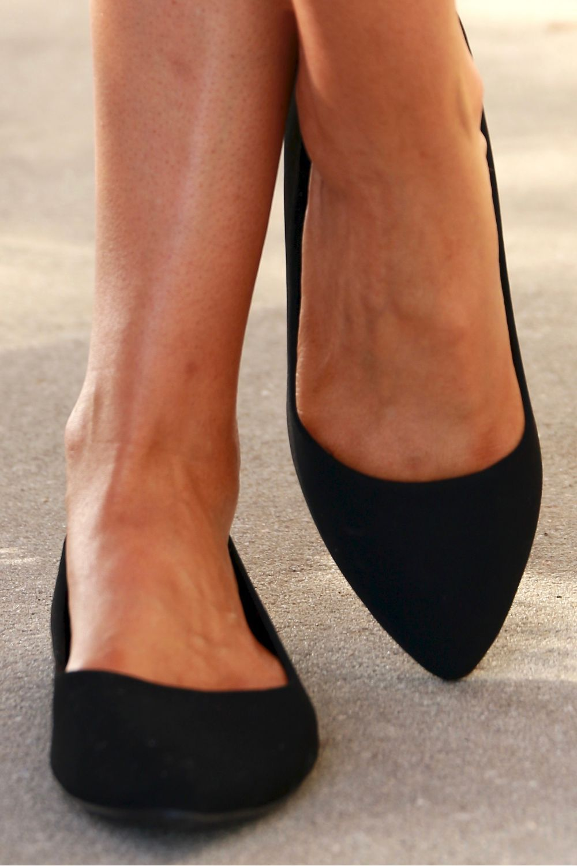 Pointed Toe Flat Wide Black Nubuck