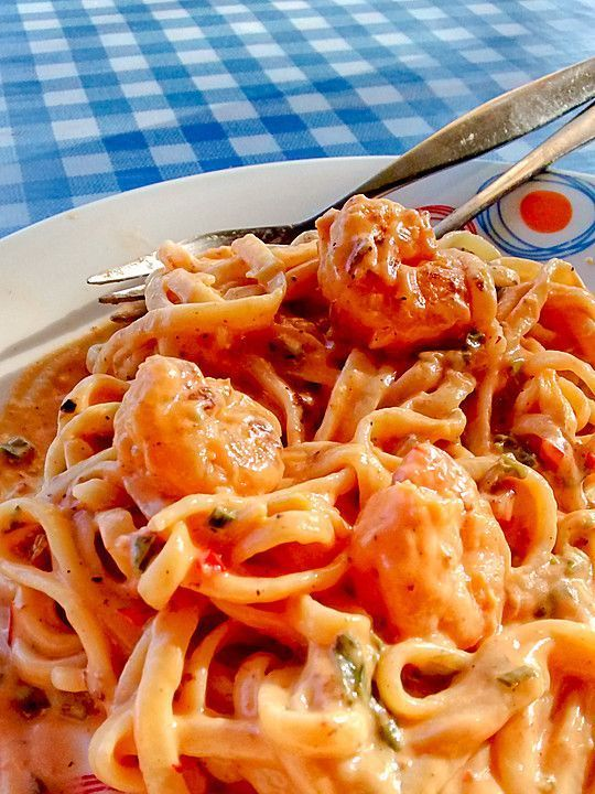 Linguine mit Garnelen in Knoblauch-Chili-Sauce #recipeshealthy