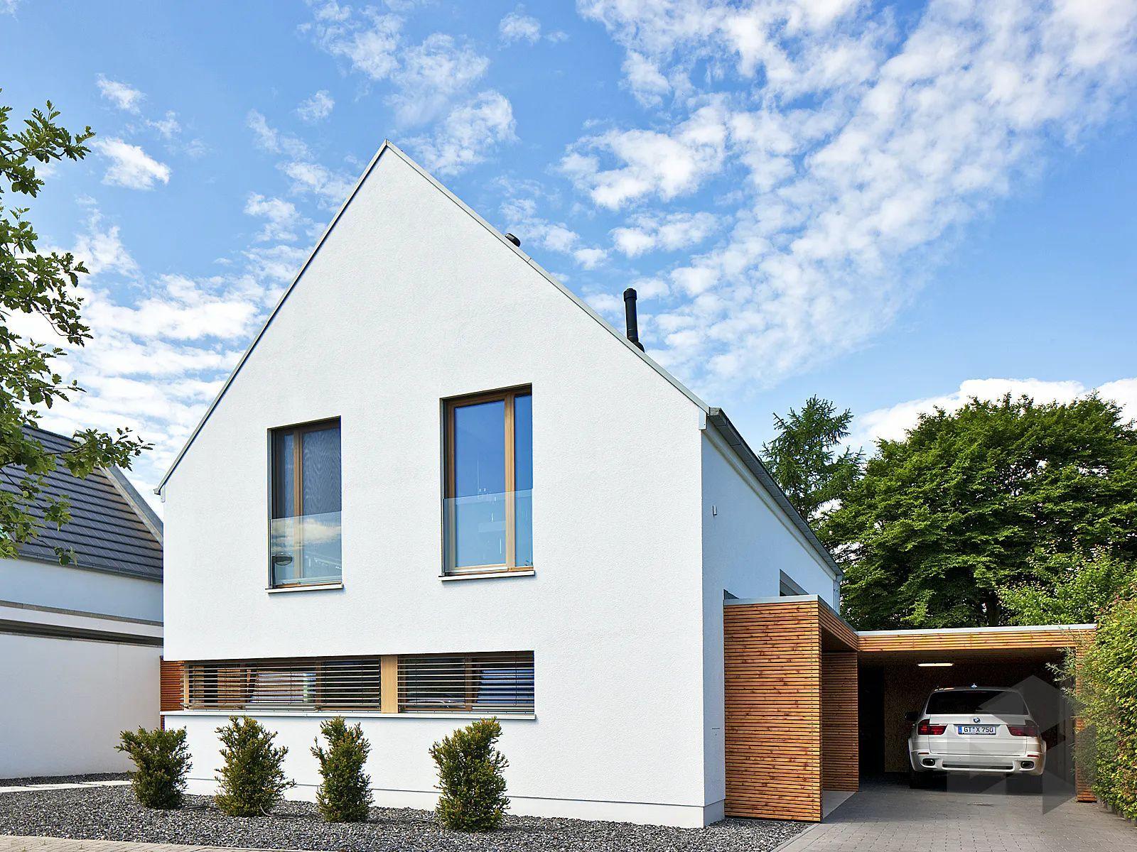 Modernes Satteldachhaus Mit Carport In 2020 Baumeister Haus Haus Schmales Haus Grundrisse