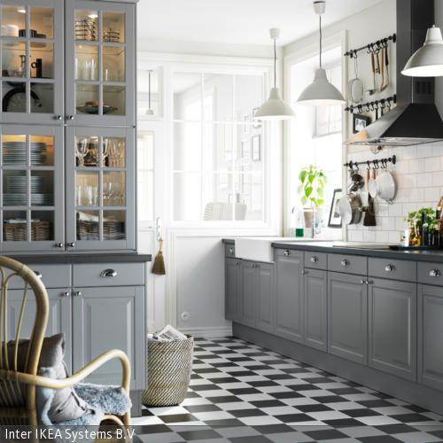 graue einbauküche im landhausstil