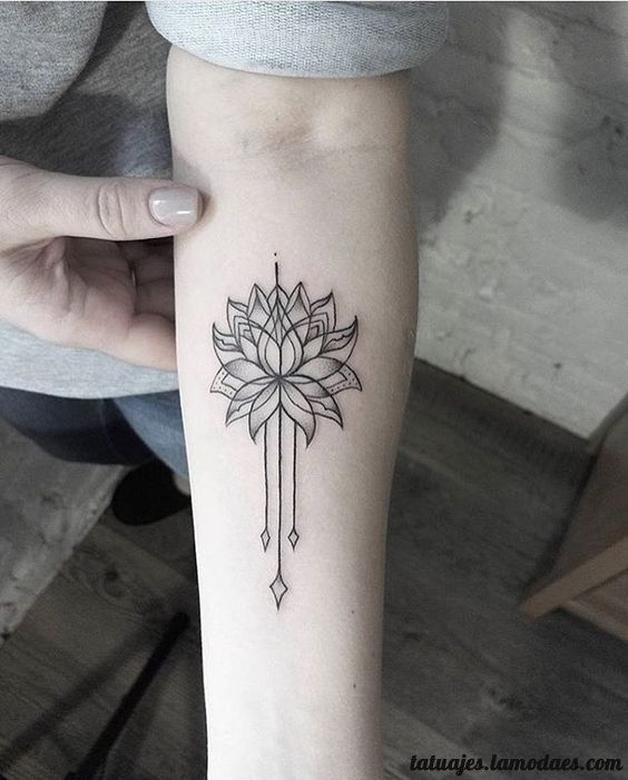 Los Mas Lindos Tatuajes Pequenos Para Mujeres Tatuajes Pinterest