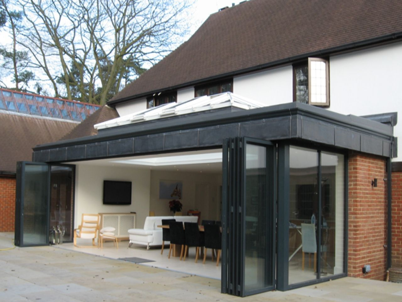 A Contemporary Kitchen, Dining And Family Area Extension Wide To A Large  Detached House.