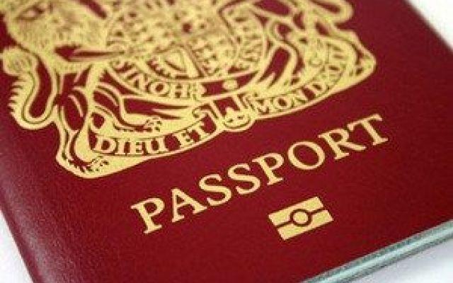 Nuovo schema legilativo per i turisti britannici La notizia la riporta il quotidiano britannico The Guardian. Bruxelles starebbe per approvare un nuovo piano di permessi turistici sul modello americano dell'ESTA. A supportare questo piano soprattut #passaporto #brexit #uk