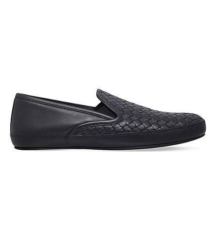 BOTTEGA VENETA Woven Leather Slippers. #bottegaveneta #shoes #shoes