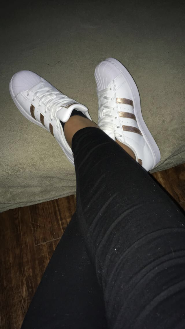 Rose d'oro strisce superstar le adidas pinterest oro