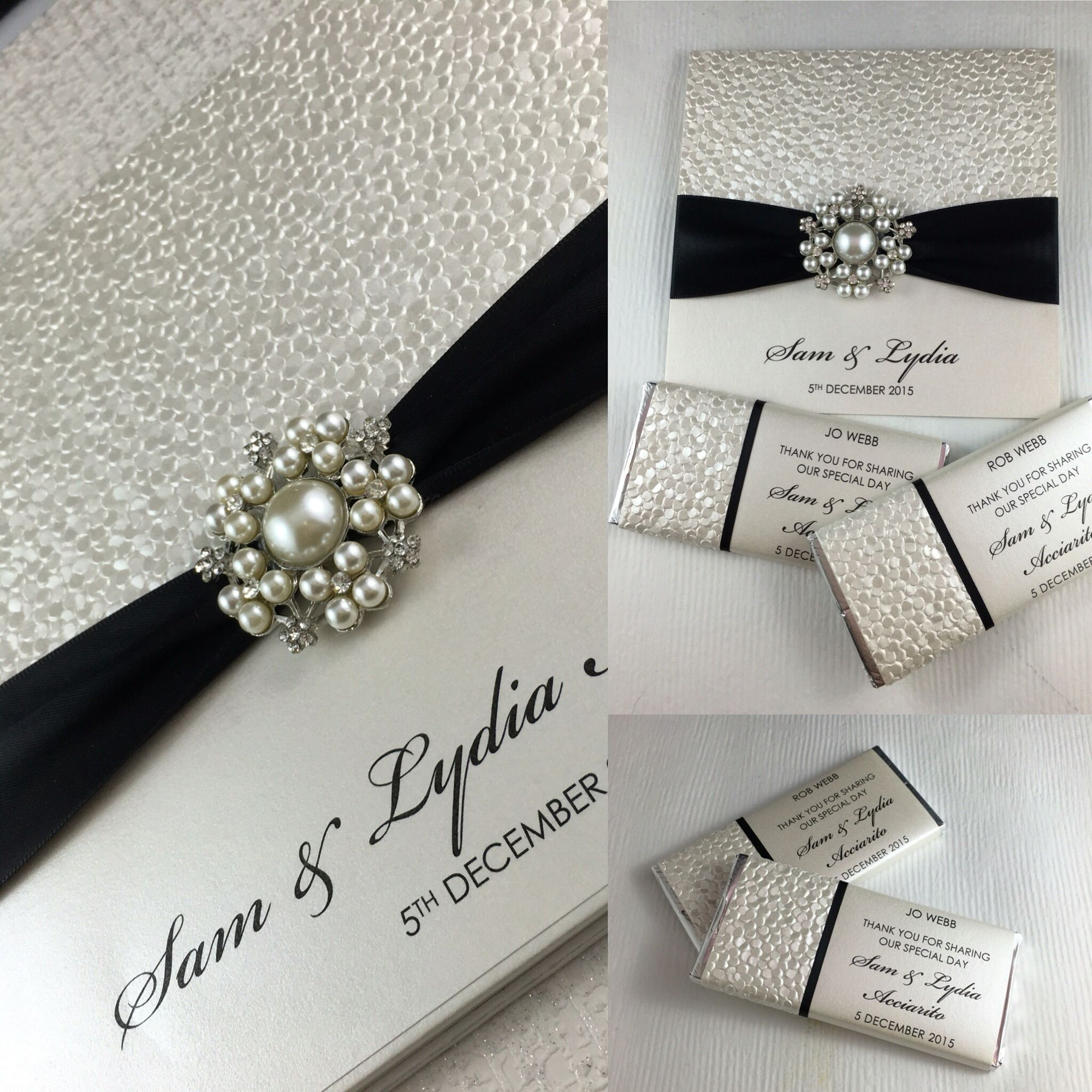 Our stunning Elegance invitation with white pebbles. Complete set ...