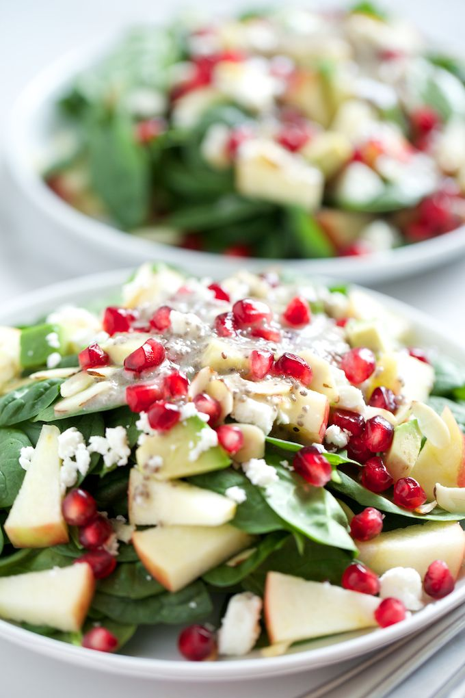 Spinat Salat mit cremiger Chia Vinaigrette