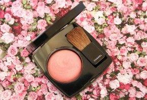 Chanel Rose Initiale Joues Contraste