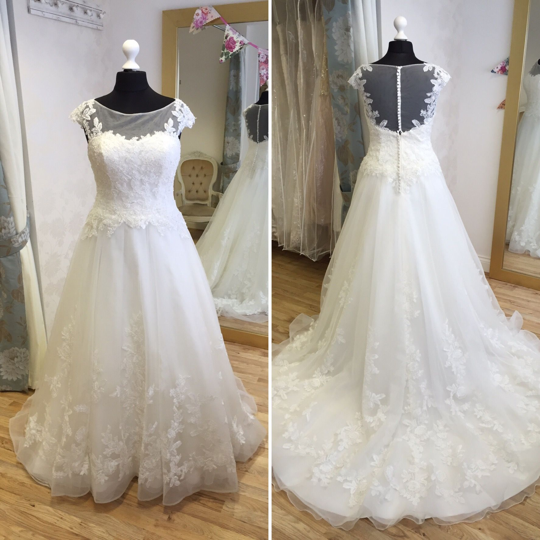 Mon Cheri \'215281\' Size 18. RRP £1540, our price £770. Available to ...