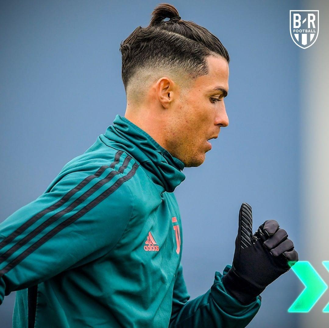Pin By Nascymento On Futebol Ousado E Alegre In 2020 Ronaldo Hair Cristiano Ronaldo Hairstyle Ronaldo Haircut