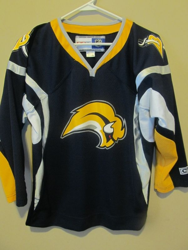 best sneakers a00b3 24e0d Reebok Buffalo Sabres Hockey Jersey , Youth Large / X-large ...