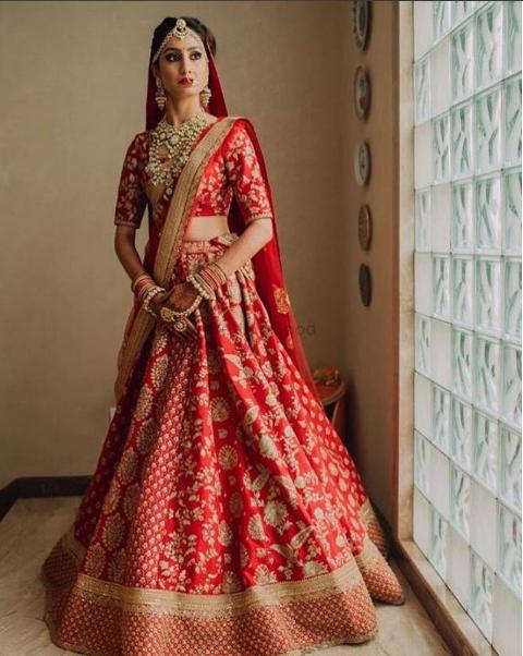 14db5f7245 Beautiful Red Lehenga | Indian traditional in 2019 | Bridal lehenga ...