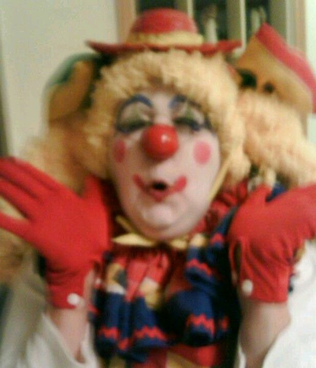 Blowing Kisses X X Clown Giggle Blowing Kisses