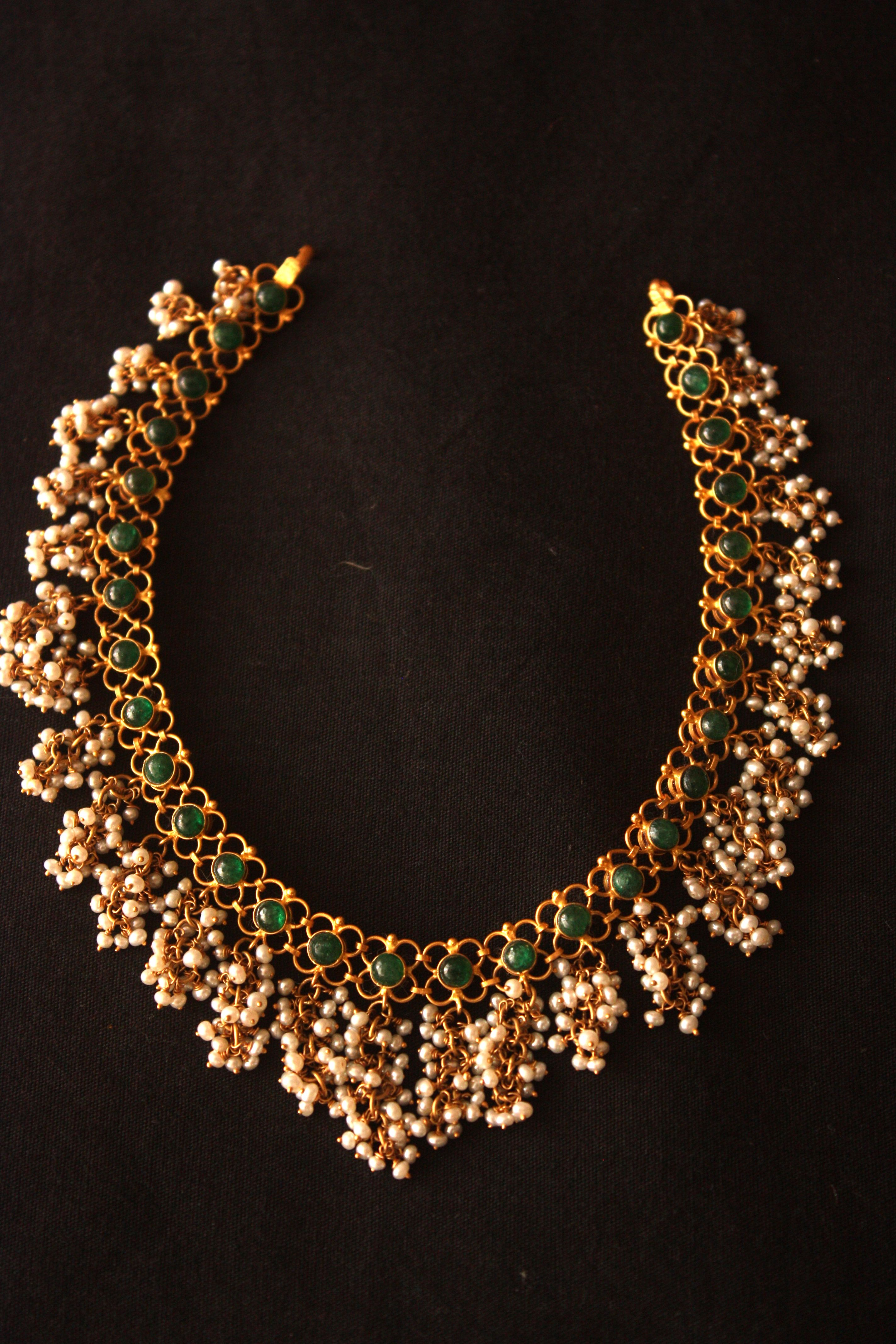 Beautiful reversible neklace with emeralds and pearls and rubies