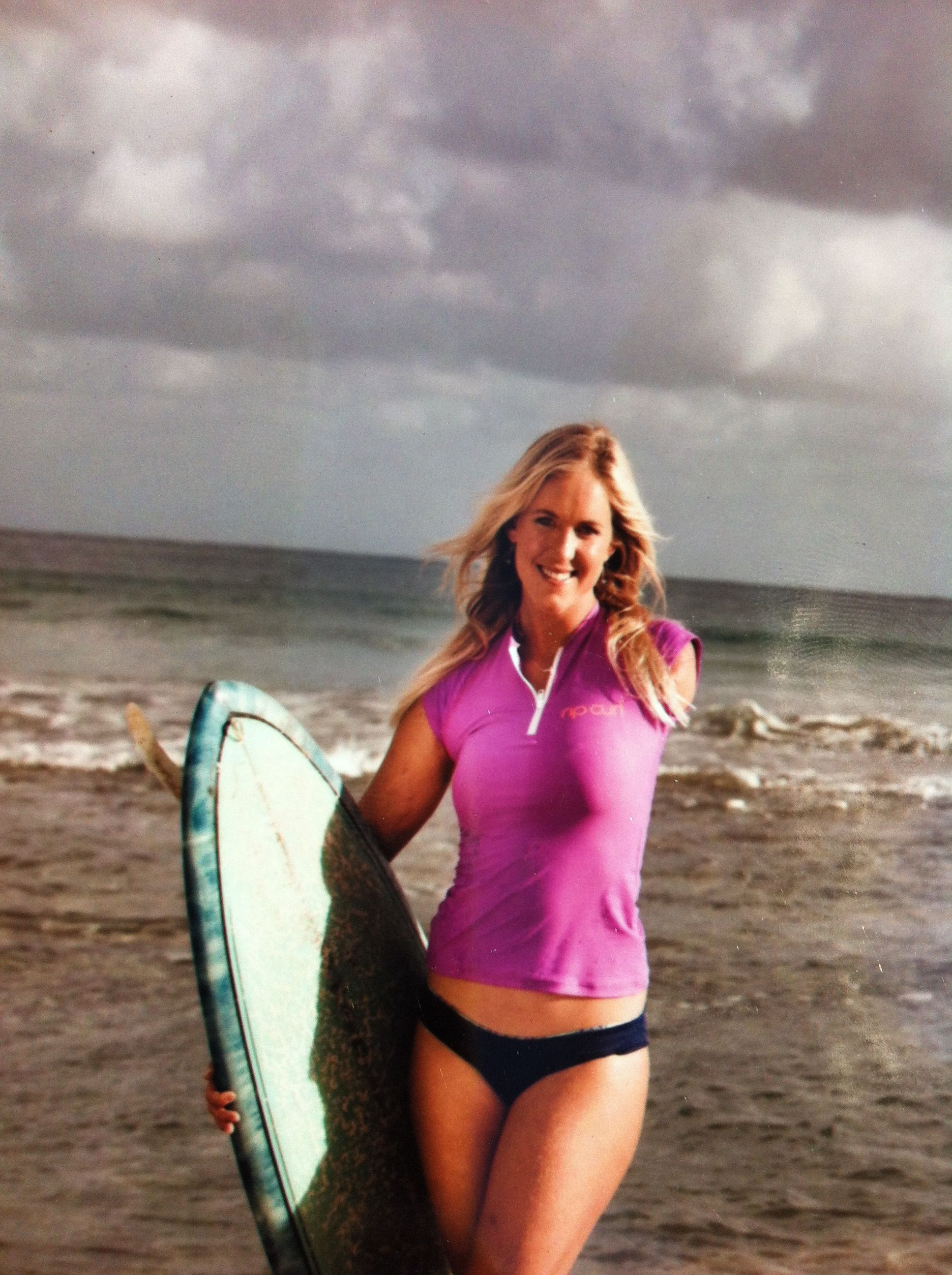Top 10 Sexiest Hot Female Surfers