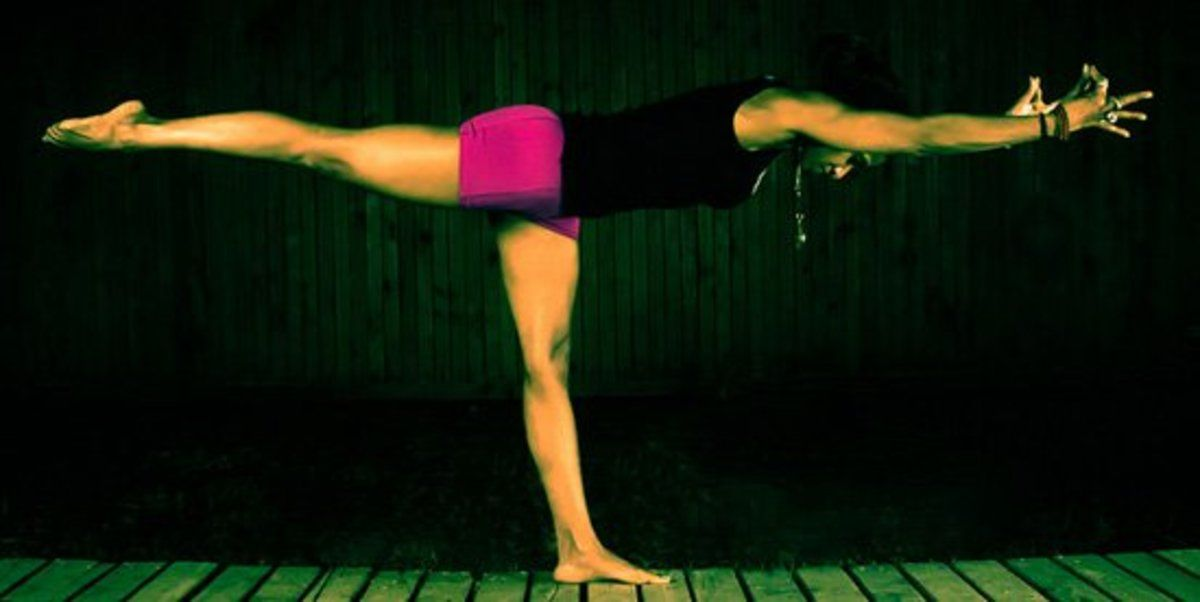 7 Easy Yoga Poses To Improve Your Balance Easy Yoga Poses Easy Yoga How To Do Yoga