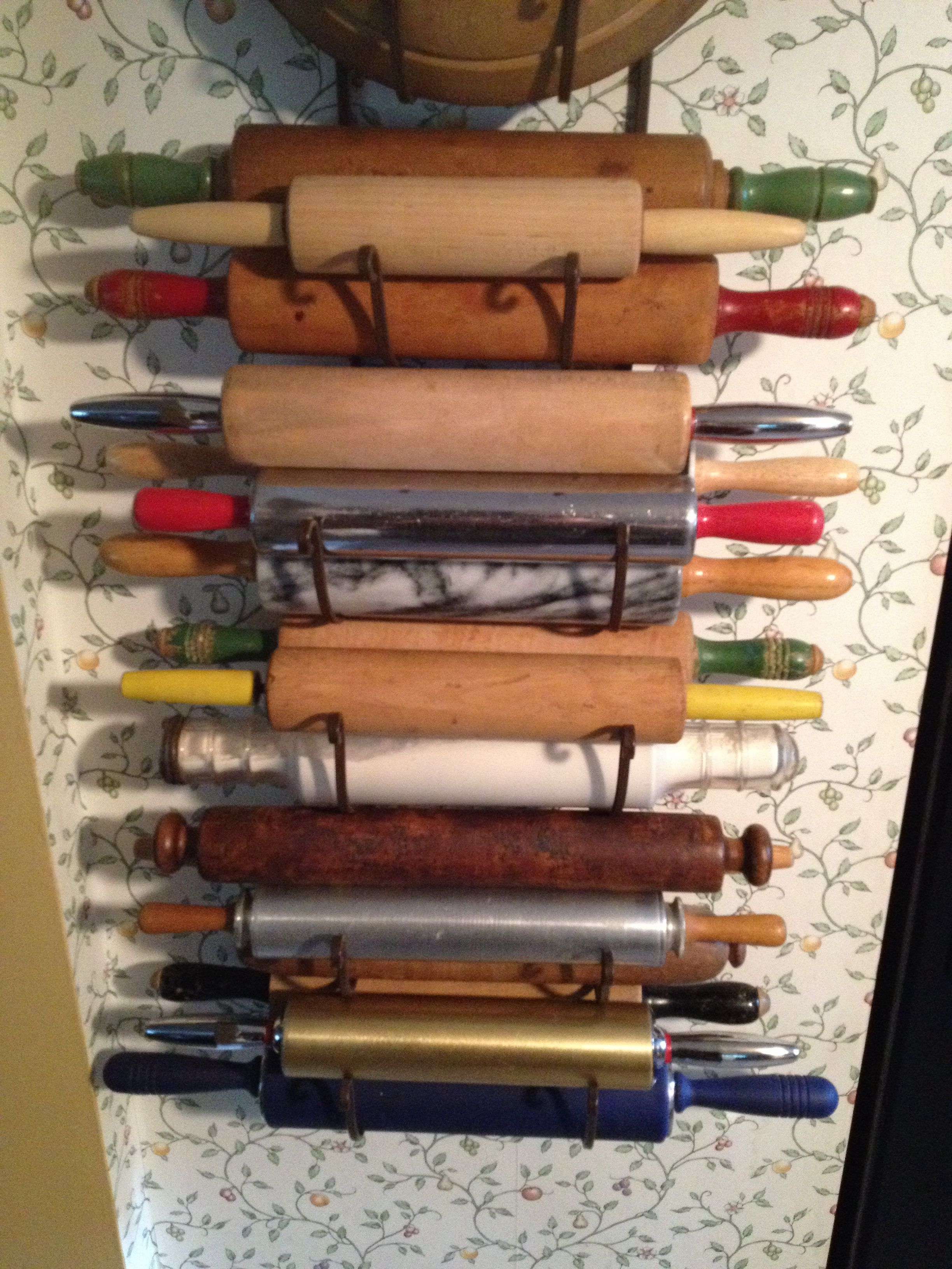 I Used A Wall Mount Towel Holder To Display My Vintage Rolling Pins Vintage Kitchen Utensils Wall Mounted Towel Holder Primitive Decorating Country