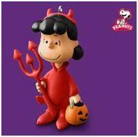 2010 Hallmark Treats for Snoopy Peanuts Gang Halloween
