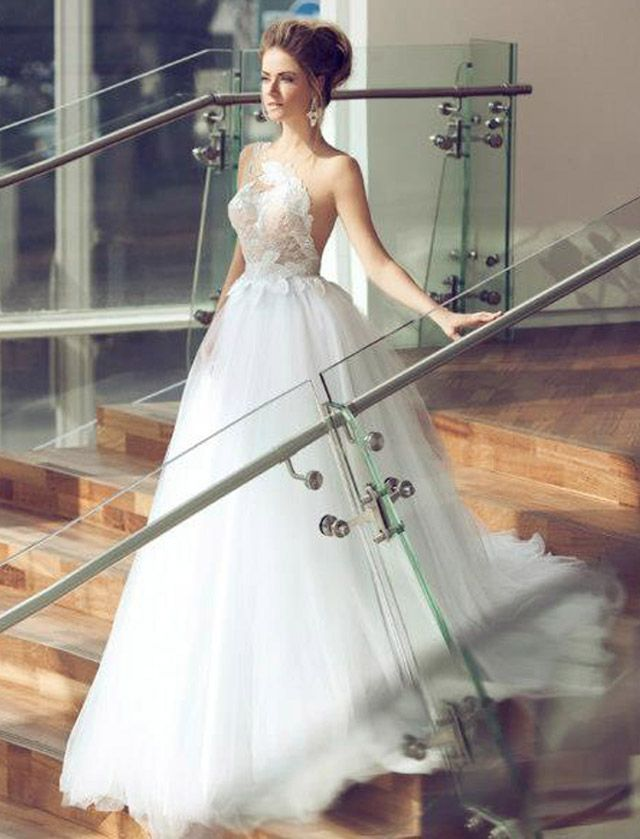 Glamorous Wedding Dresses With Incredible Elegance. This one is so unique  and whimsical. I love it! 94ee6f032b