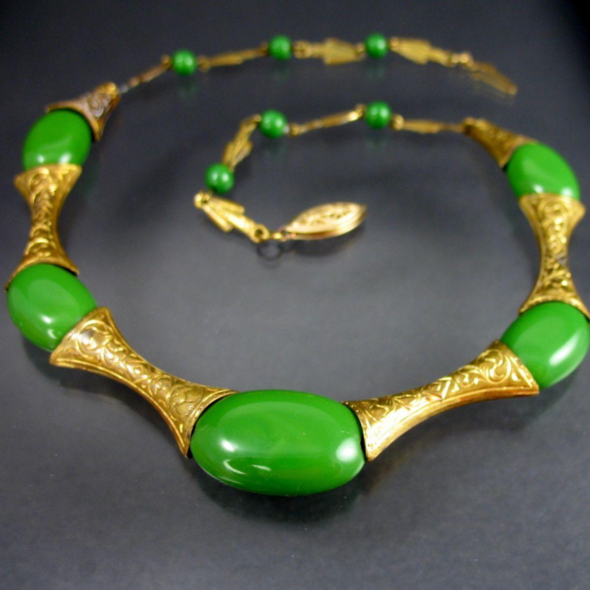 Vintage Parrot Green Czech Necklace