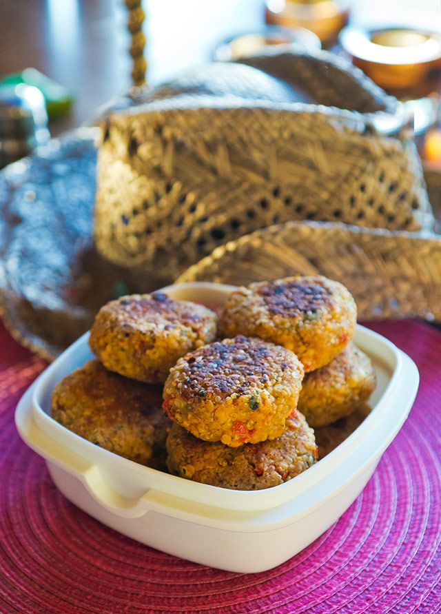 Vegetariska biffar med quinoa och linser