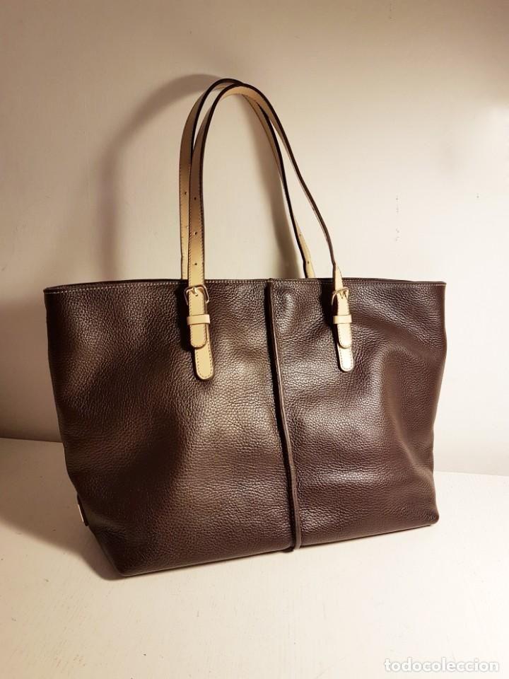 3d605f7438e Bolso shopper TOD´S piel genuina grabada color marrón chocolate oscuro. -  Foto 1