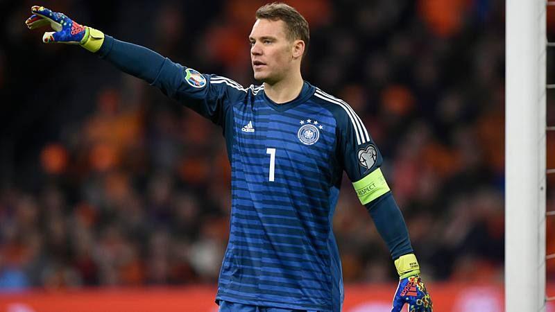 Riesenaufregung Um Manuel Neuer Nationaltorwart Singt Lied Von Skandal Band Neue Wege Torwart Singen