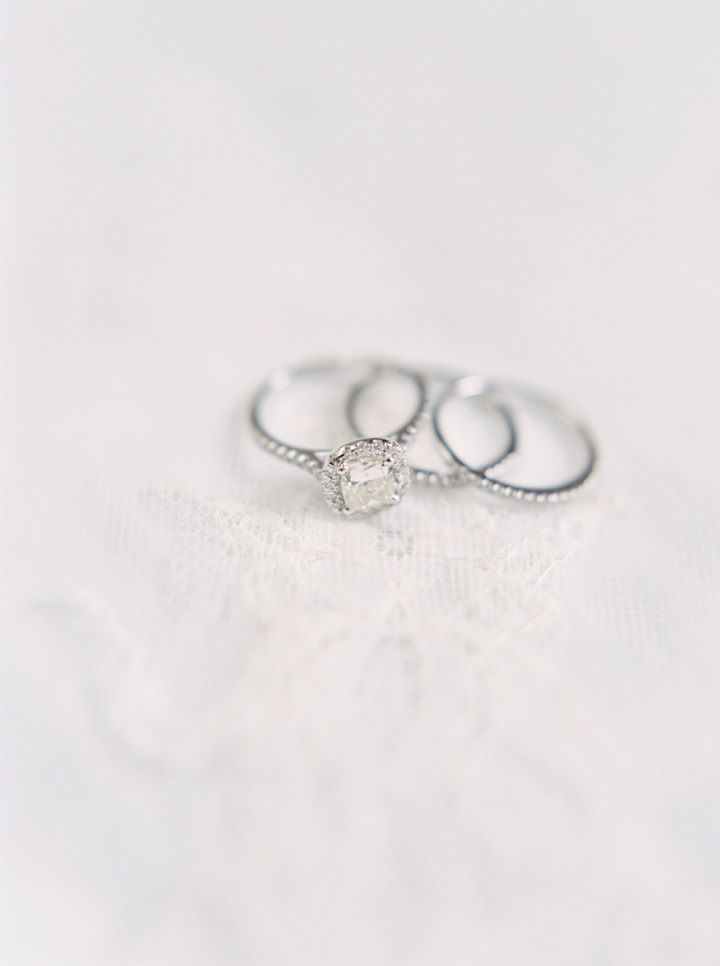 Wedding rings and engagement ring | fabmood.com #engagementring #weddingring