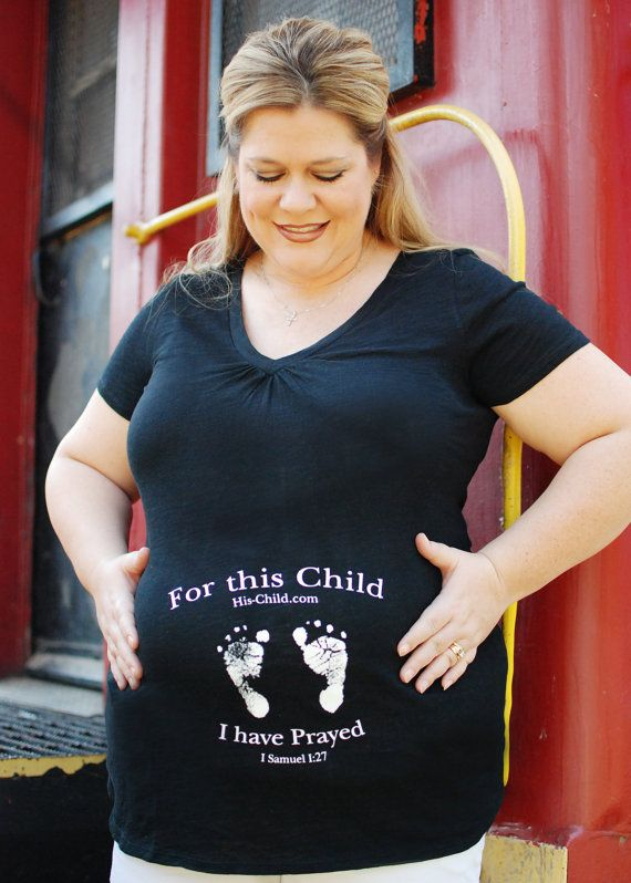 Design Zwangerschapskleding.Christian Prayed For Maternity Shirt With Baby Feet Design Black